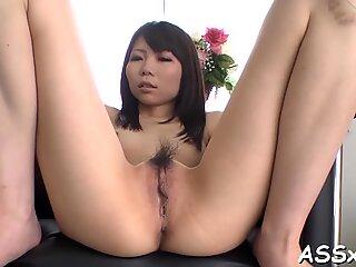 Lusty asiatic anal plăcut