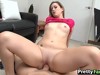 Video gros gros fata facial Briella Bounce 1 2.4