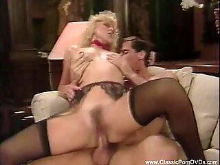 Film sexy distractiv din anii șaptezeci