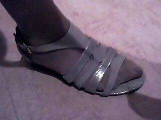 Bunicuță Picioare și Picioare în Ciorapi și Red Nailon Degete de la Picioare