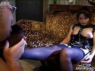 Amator video of Akane Kuramochi dezmierdare pula with her picioare