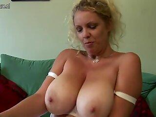 Big tatoasa britanic mother shows off great rack and