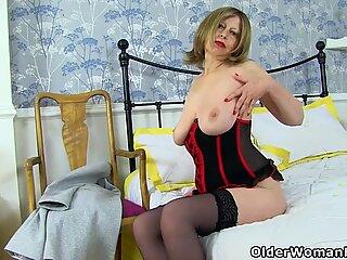 Britanic milf posh sophia show off her natural big hangers