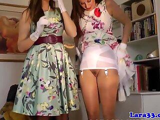Eleganță milf in ciorapi shows off cur