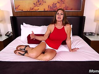 Fresh new matusa cu tineri funbags negrese-haired mame does anal and zguduie out hot spermă