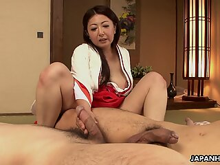 Mature Asian tramp in her kimono tries out two coc