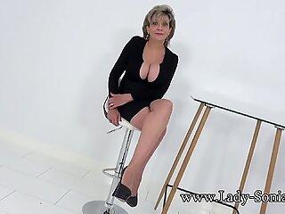 Lady Sonia vă invită după ce vă atrageți la Lob
