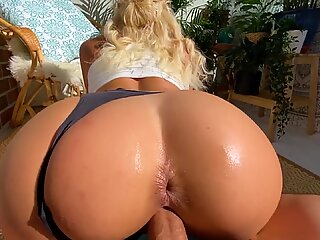 Fit Blonde Gets her Perfect Ass Fucked - Amateur Sex   Squirt