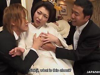 Yui Аяна се чука трудно от много възбудени момчета