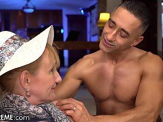 Бързо баба се заковава по време на работна почивка - 21sextreme
