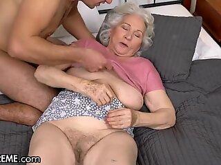 21sextreme помага на баба в съседство
