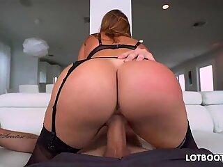 Gros fundulet and gros breasts latin matusa cu tineri Julianna Vega